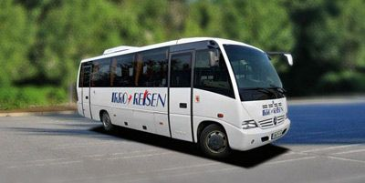 Coach Hire Italy, Medio
